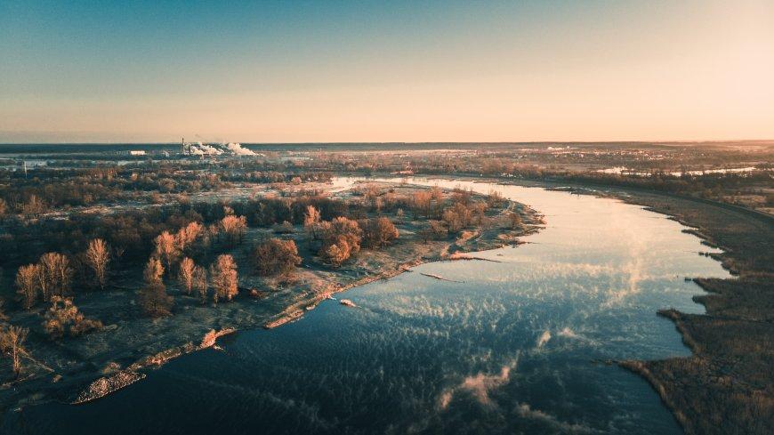Fot. Sebastian Owczarz; zdjęcie rzeki o poranku